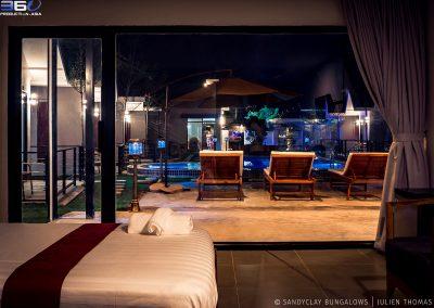bedroom-bungalow-pool-night-sandyclay