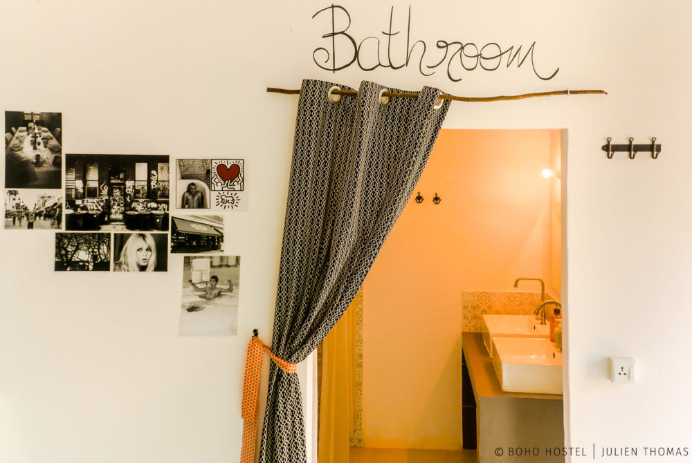 Sharing bathroom in a dormitory for the backpackers / flashpackers in BOHO Hostel Kitchen & Bar, Otres Village - Cambodia.