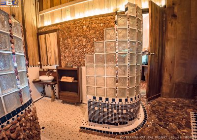 bathroom-stones-wood-veranda-kep