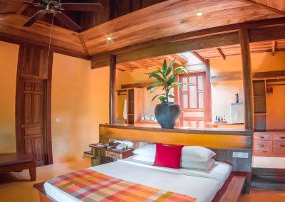 bedroom-suite-luxury-wood-veranda