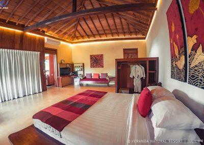 room-wood-curtains-veranda-kep