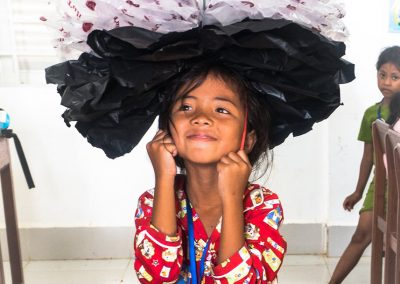 flower-kid-recycle-upcycle-plastic