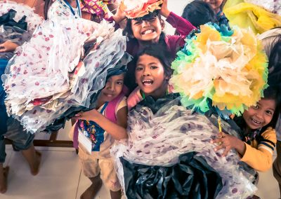 flower-plastic-students-recycle-fun