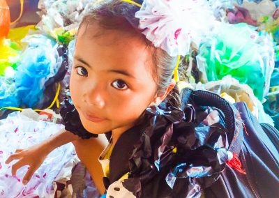 flower-plastic-waste-craft-recycle