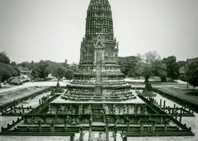 historical-wat-park-construction-carvings