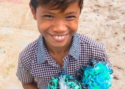 kid-flower-plastic-craft-recycle
