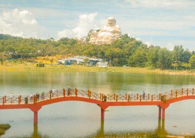 lac-budai-bridge-sculpture-scenery