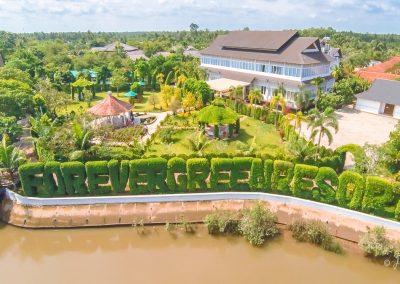resort-river-garden-bridge-aerial
