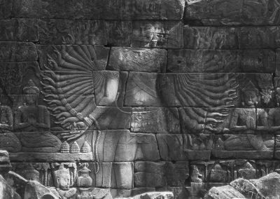 sculpture-goddess-avalokiteshvara-treasure-arms