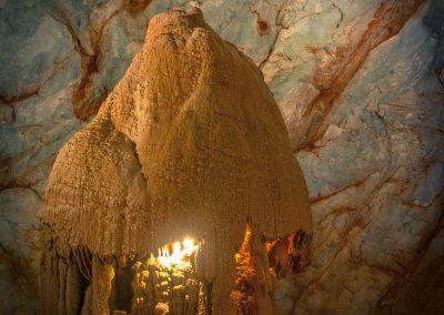 stalagmite-cave-light-dome