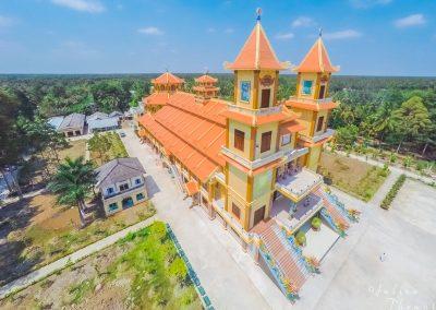 temple-cao-dai-aerial-vietnam