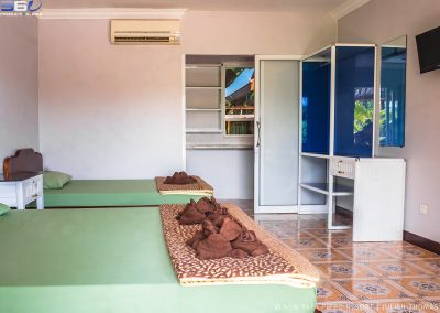 bungalow-beds-toiletries-otres-papa-pippo