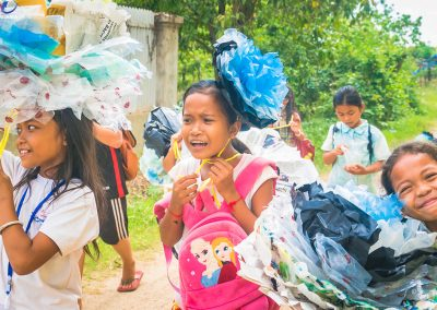 kids-flower-plastic-recycle-upcycle