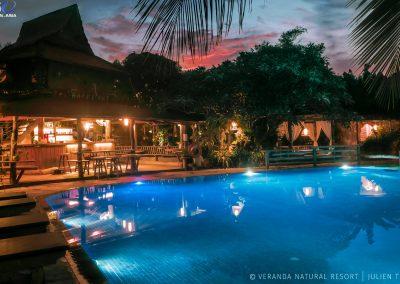 pool-night-bar-veranda-kep