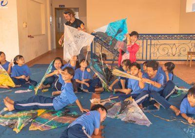 schoochildren-plastic-kites-julien-thomas