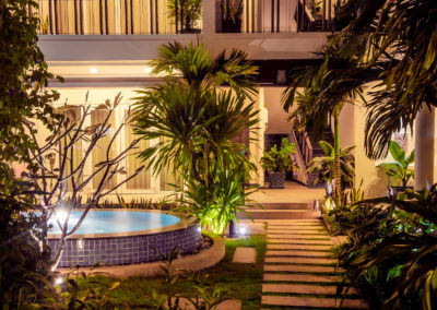 garden-tropic-lightening-pool-advaya