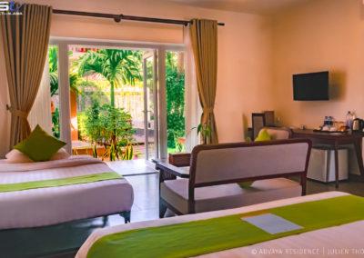 suite-familly-pool-advaya-siem-reap