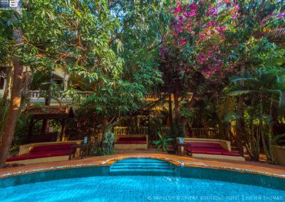 pool-flower-garden-hotel-pavillon-orient