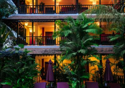 hotel-pool-room-garden-night