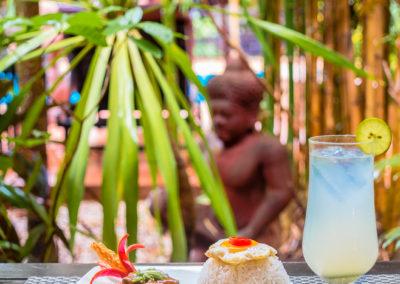 restautant-pool-cocktail-siem-reap