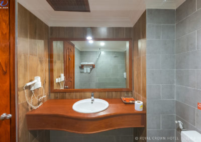 royal-crown-hotel-bathroom